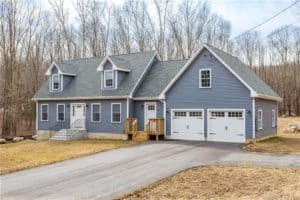 33 Lake Road, Andover. Sold April 2020. Our clients saved $6,700!